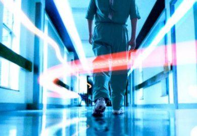 Koltuk Altı Kalp Ameliyatında Doktor